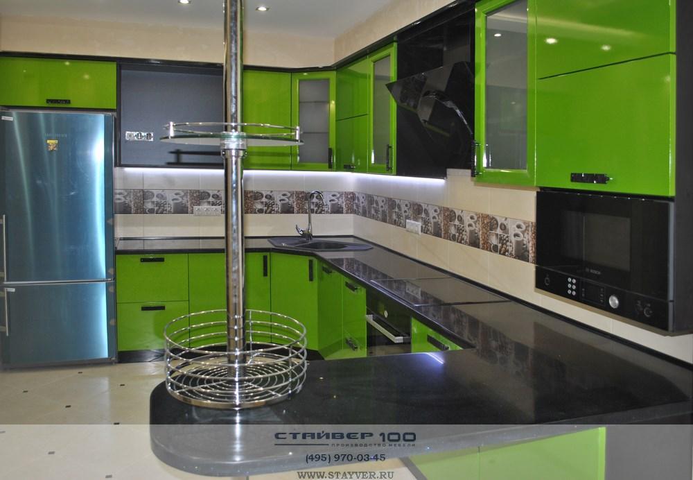 Кухня цвета Лайм-фото с барной колонной
