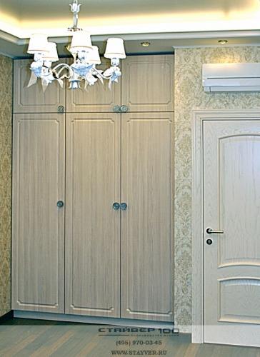 Распашной шкаф с фрезеровкой Барокко