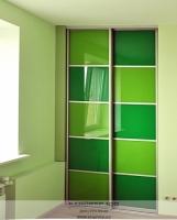 Встроенный шкаф купе Два оттенка зеленого. Фото