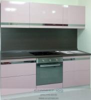Маленькая кухня в розовом цвете фото