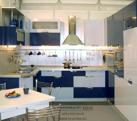 Дизайн кухни в синем цвете фото