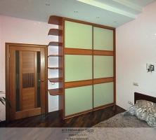 Фото шкафа-купе Вишня и стекло
