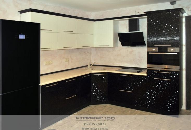 фото кухни Мозаика черная