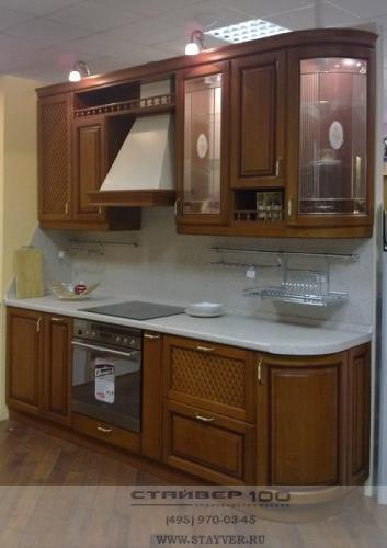 Маленькая кухня из массива бука с патиной фото.