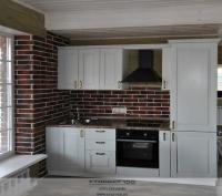 Фото красивой кухни белого цвета.
