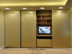 Кремовый шкаф-купе 4 метра