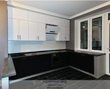 кухня комбинированная Grey brown & white gloss