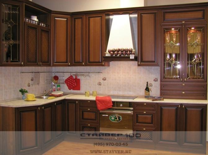 Кухня с патиной. Бук в цвете Орех фото