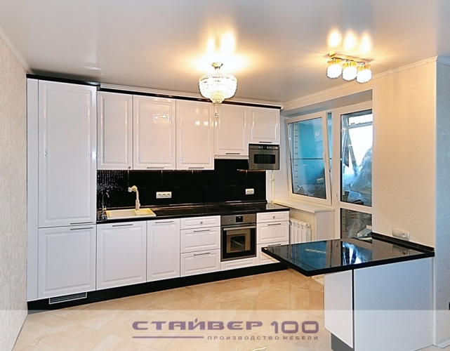Черно белая кухня из МДФ