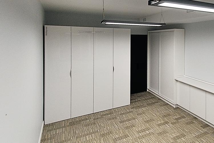 Офисная кухня-шкаф