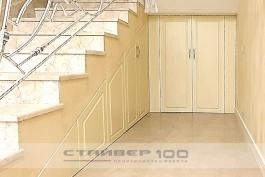 Двери по лестницу
