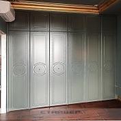 Серо-зеленый проходной шкаф
