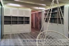 Жалюзийные шкафы на мансарду