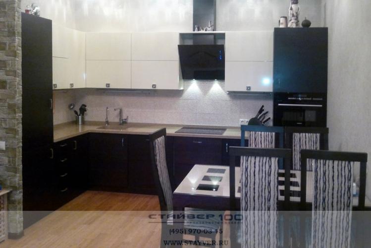 Кухня кремовый глянец мдф шпон фото