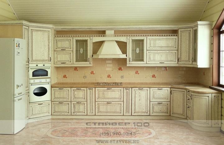 Кухня массив дерева: слоновая кость с патиной | Кухни из ...: http://stayver.ru/catalog/kuhni-massiv/kuhnya_iz_massiva_yasenya9/