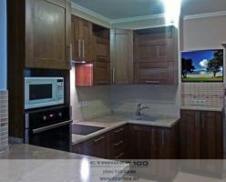 современная кухни из массива- широкая рамка фото.