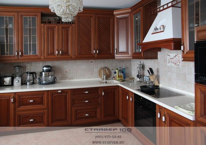Кухня элитная. Фасад классический дуб фото.