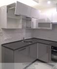 Кухня серый и белый металлик. Вид 2