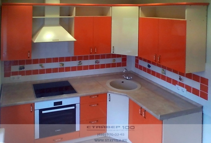 Кухня в цвете: Оранжевый глянец и Слоновая кость фото