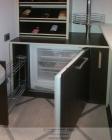 выдвижная бутылочница, встроенный мини холодильник