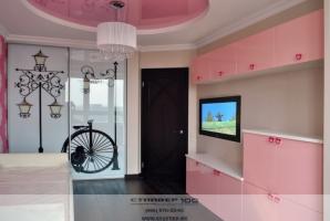 Розовая детская мебель