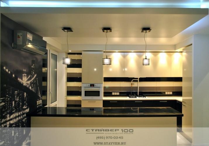 Кухня ваниль  глянец и Венге фото