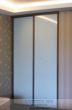 Шкаф-купе белое матовое стекло. Фото