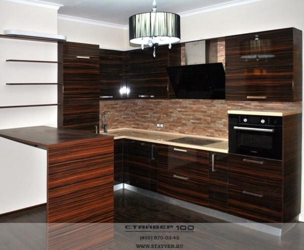 Кухня цвета Зебрано глянец. Фото
