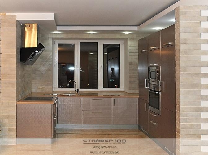 П-образная кухня цвета Шампань техно фото