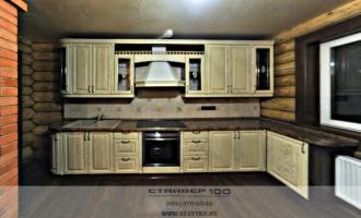 Классическая светлая кухня: ясень патина фото.